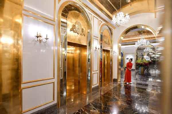 le premier hôtel en Or 24 carats au monde a ouvert au Vietnam